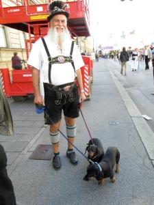 'A Hund ist er scho...'